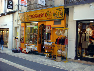 Drougerie Store, Provence