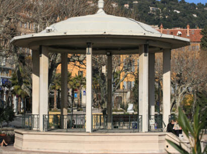 The band stand in the centre of Grasse