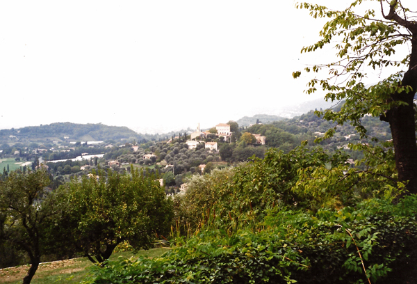 Distant view of Opio from the terraces of the Castello San Peyre